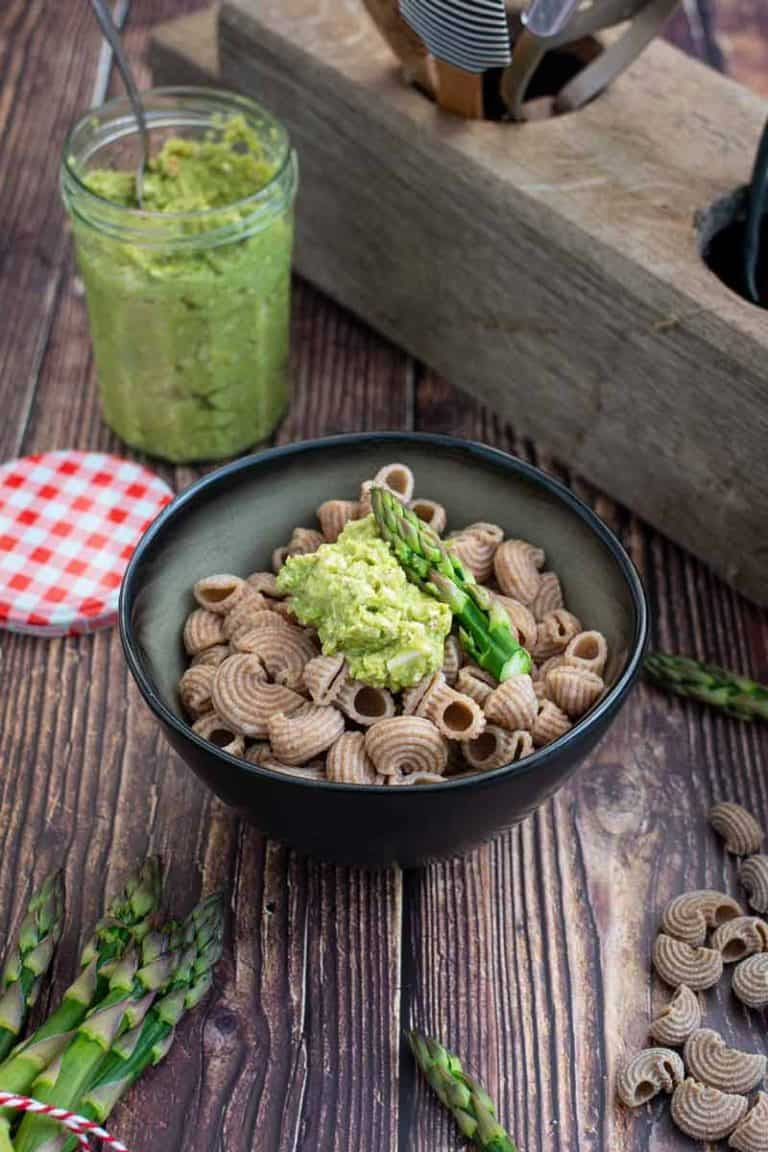 Spargel Pesto aus grünem Spargel Rezept