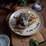 Kumpir mit Pulled Pork Gemüse und Minzjoghurt Rezept