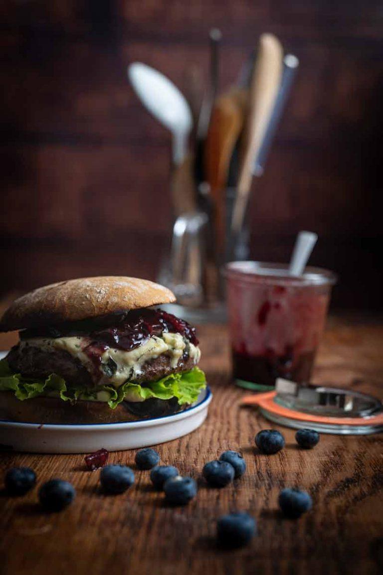 Burger mit Blaubeeren-Bacon-Jam Rezept