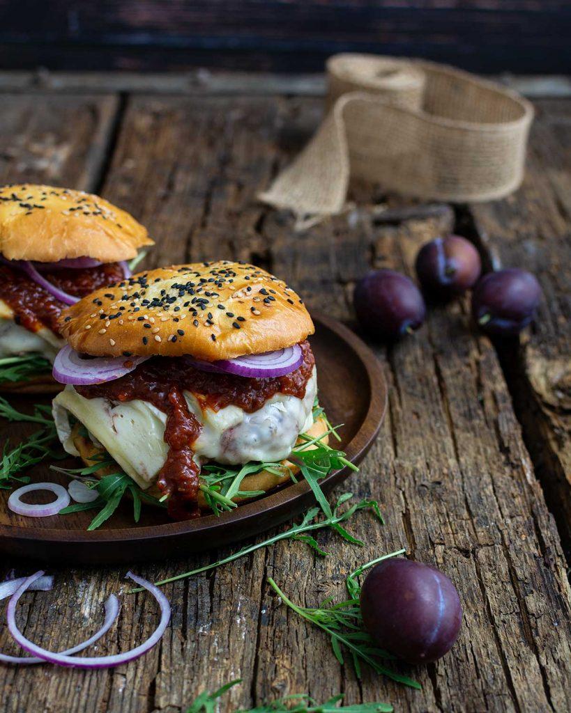 Zwetschgen Burger für 1000 gute Gründe Rezept